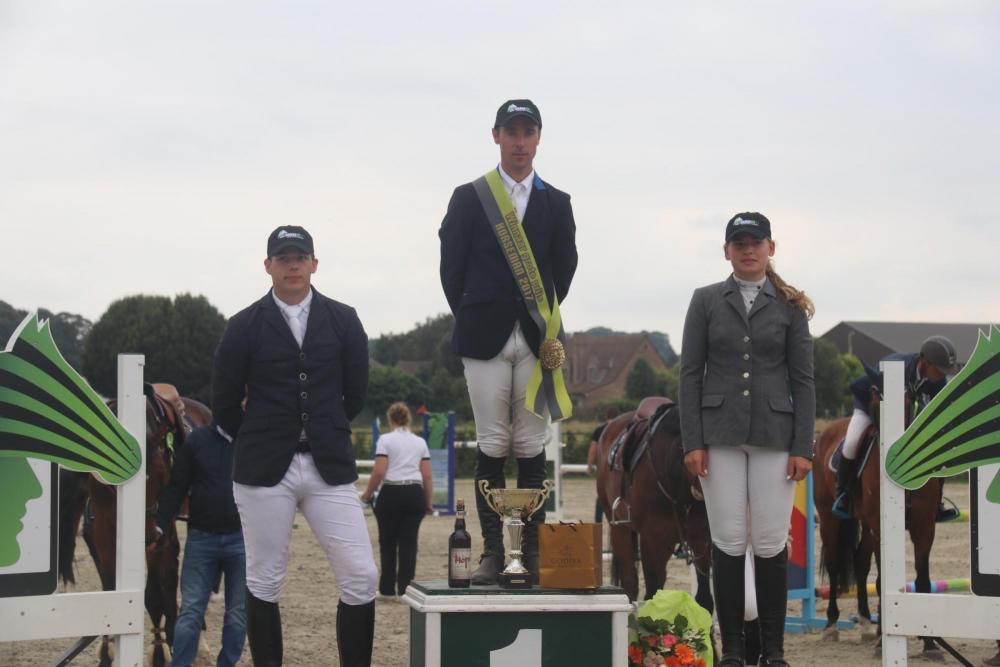 tom_verduyn_jumping_horseman_17.jpg_1.jpg